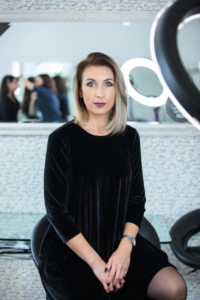 Camelia-Comsa Top Make Up